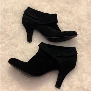NWT Enzo Angiolini Black Suede Heels